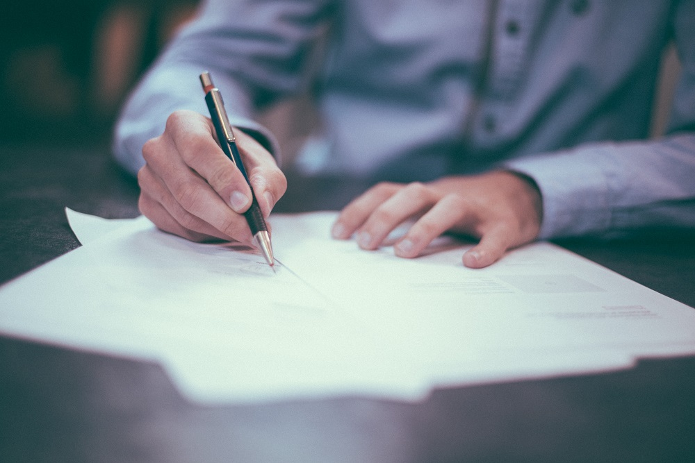 Signer le contrat de location