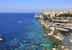 Corse : les achats immobiliers réservés aux seuls résidents