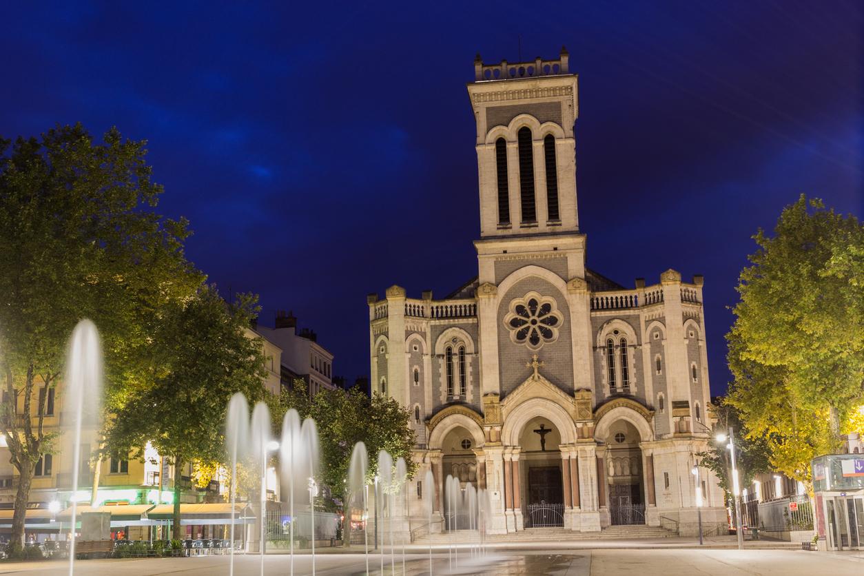 Saint-Etienne : aménagement du projet l'îlot Poste-Weiss