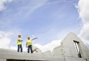 Le Gouvernement veut construire plus vite et moins cher