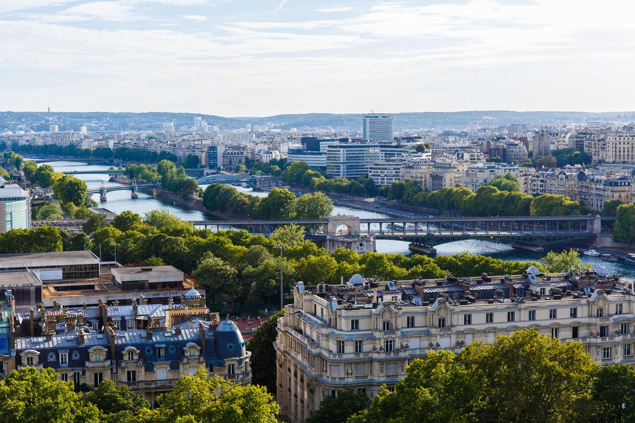 Les toits et façades de Paris se mettent au vert