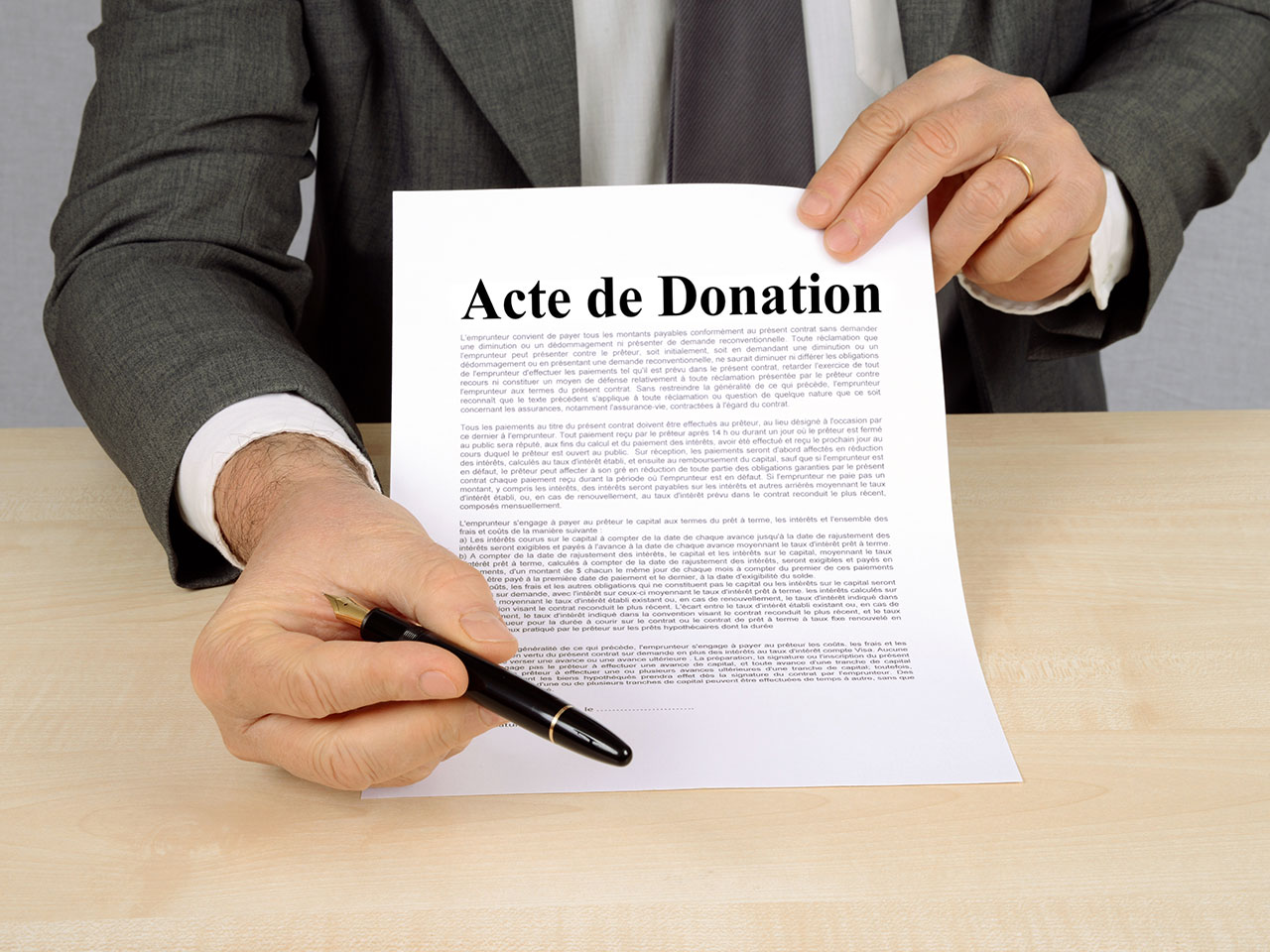 Donation immobilière : le bien doit être libre de tout engagement